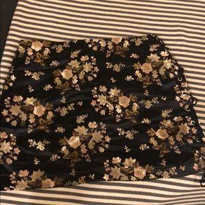 Dresses & Skirts - Oriental mini skirt with side tie